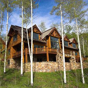 300p-Luxury-Hillside-Home-44042887