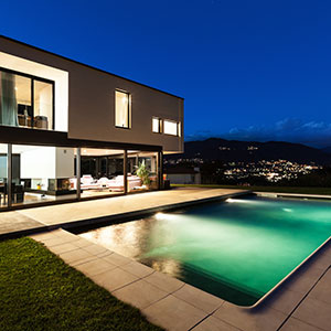 300p-Luxury-Modern-Home-145624297